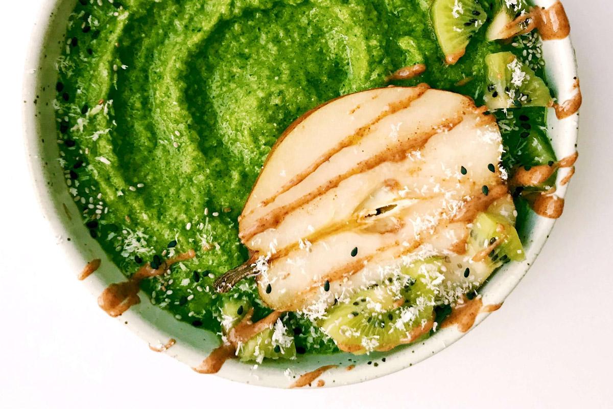 Kiwi Pear Green Smoothie Bowl